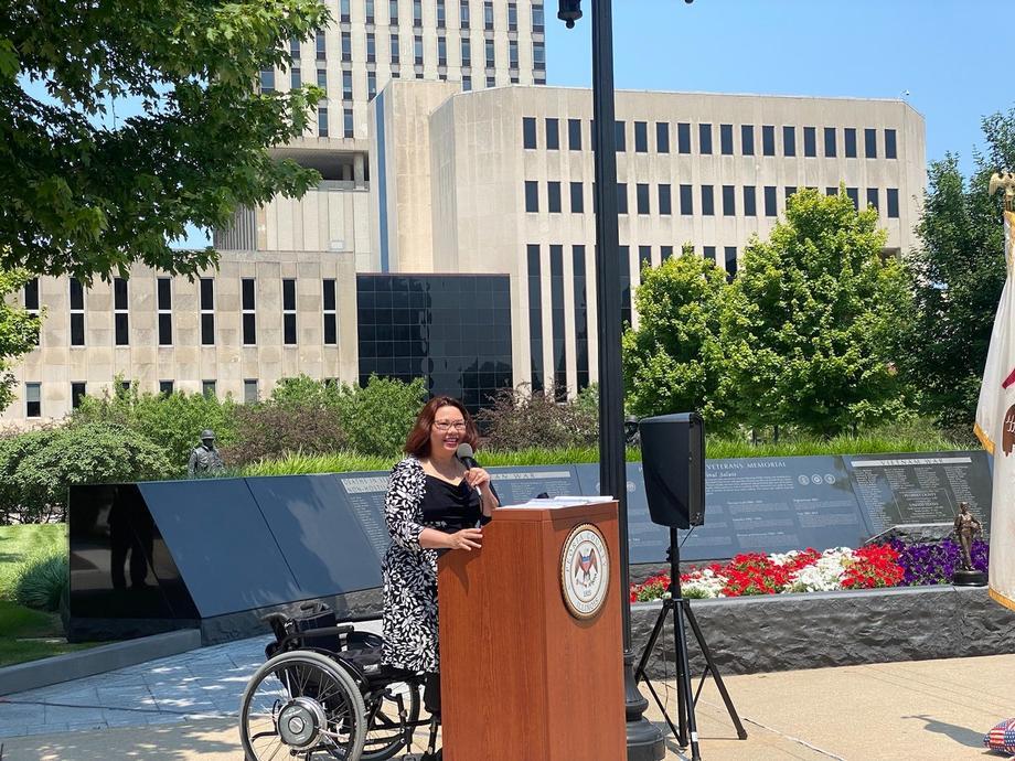 Duckworth Honors Peoria Veterans at War Memorial Dedication Ceremony
