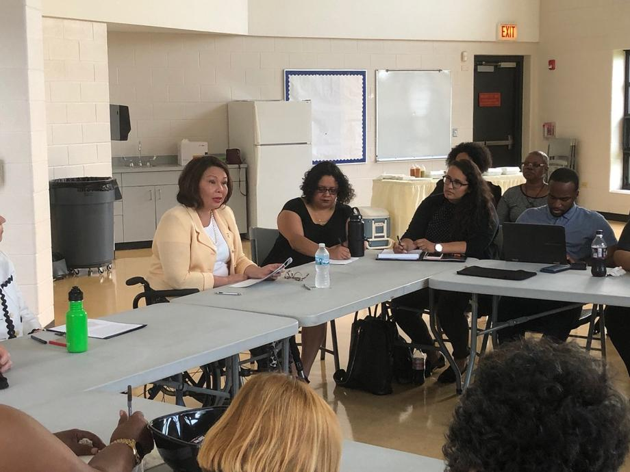 Duckworth Meets with Community Leaders in Chicago, Highlights Need for Safe, Clean Drinking Water