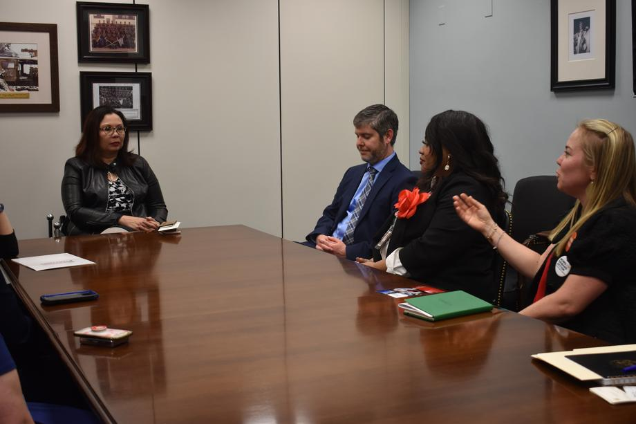Duckworth meets with Illinoisans impacted by gun violence
