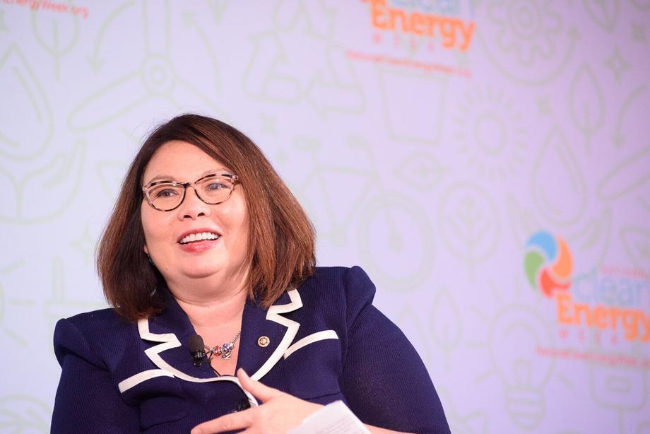 Duckworth Speaks at National Clean Energy Week Symposium