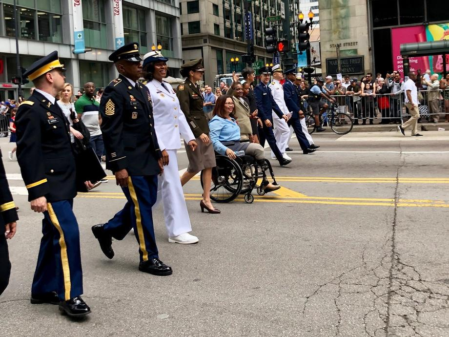 Duckworth Pays Tribute to Fallen Servicemembers at Chicago Memorial Day Wreath Laying Ceremony and Parade