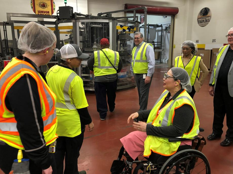 Duckworth Visits Diageo in Plainfield