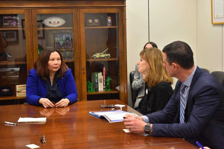 Duckworth Meets with Chicago Teachers Union to Discuss Career Education in Public Schools