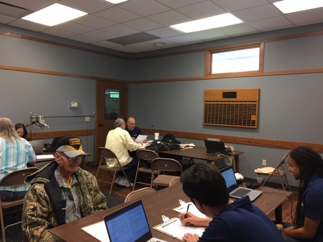 Duckworth Hosts Mobile Office Hours in Beardstown and Jacksonville