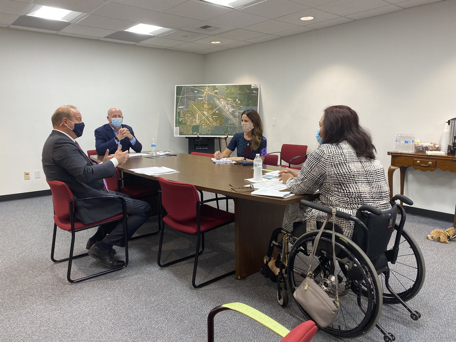 Duckworth Tours MidAmerica St. Louis Airport, Discusses Federal Aviation Priorities