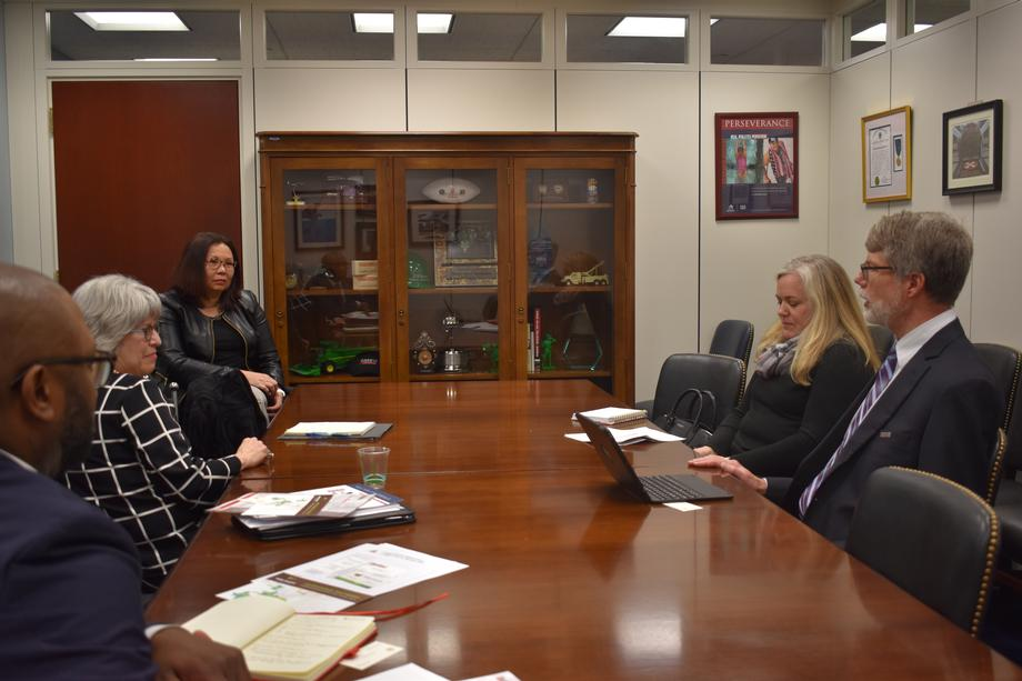Duckworth meets with Illinois College and University Presidents