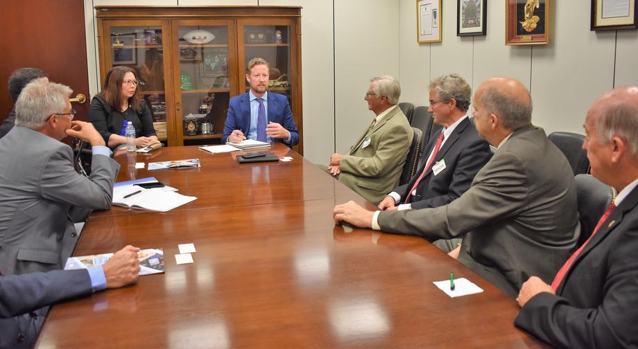 Duckworth meets with Illinois Farm Bureau