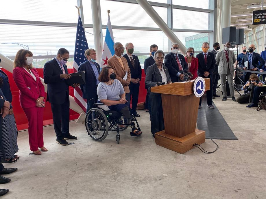 Duckworth Joins Secretary Buttigieg to Tour 95th Street Red Line Station and Highlight Importance of Infrastructure Legislation